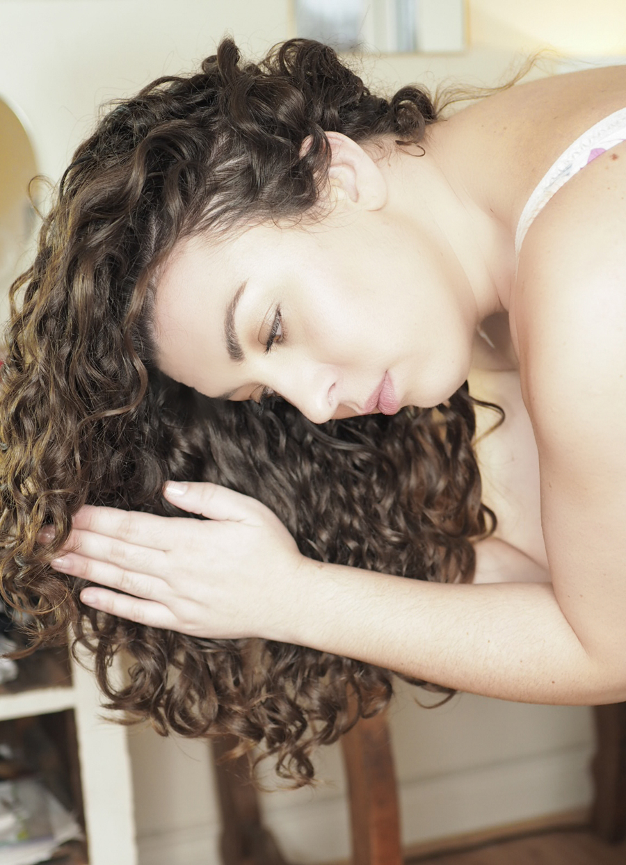 praying hands technique curly hair
