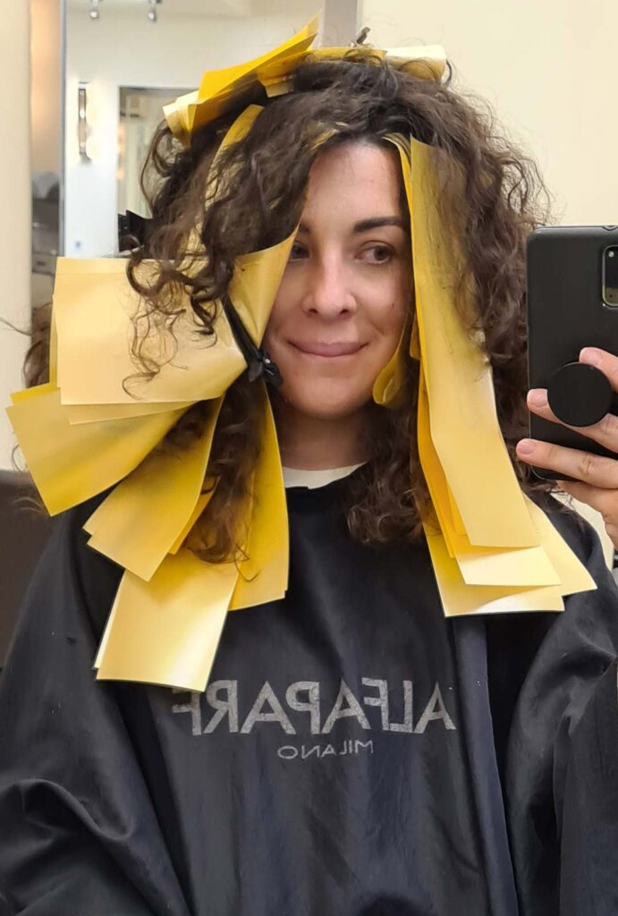paper wrap highlights curly hair