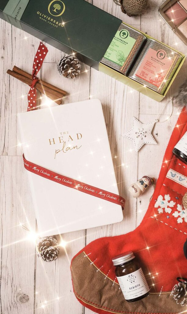 curly cailin gift guide 2020